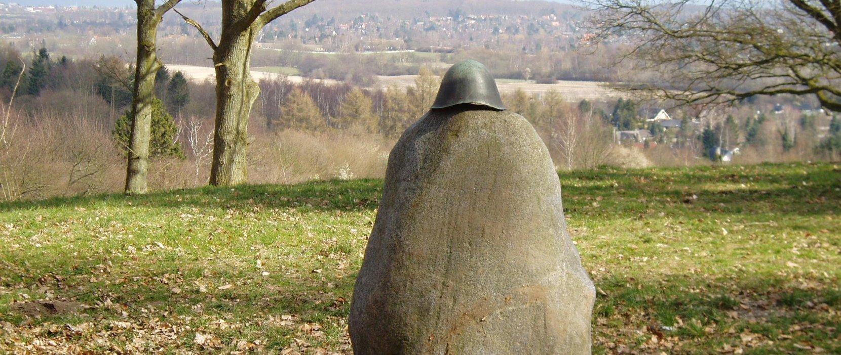 Mollerup mindesten på toppen af Høje Sandbjerg